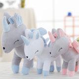 I giocattoli aggressivi degli animali domestici hanno farcito il regalo animale della bambola dell'unicorno con 4 colori