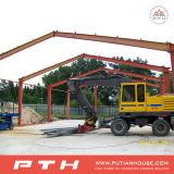 鉄骨構造のプレハブの倉庫