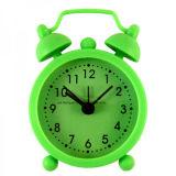 D'Unbreakable couleur fluorescente Sound off silicone Mini Table des horloges d'alarme pour les enfants