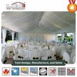 Красивейший шатер партии случая украшения с освещениями