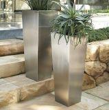 先を細くされたステンレス鋼の庭プランター