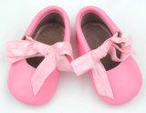 Belas Garotas do bebé de calçado