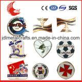Niedriger Preis-kundenspezifisches Metall und einziehbares Plastikabzeichen