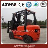 Forklift Diesel de Ltma trabalho pequeno do Forklift de 1.5 toneladas no recipiente