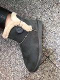 Sheepskin botas de invierno para las mujeres. Botas de nieve