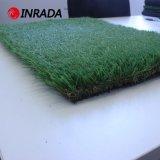 美しい庭の装飾の景色の人工的な草