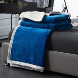 暖かく、居心地のよい珊瑚の羊毛毛布の投球のビロード毛布