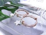 女性の方法宝石類の金及び銀カラー星昇進のギフトのための吊り下げ式CZの石造りのイヤリング