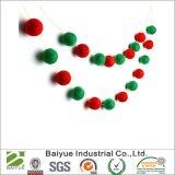 크리스마스 훈장 (Green+Red)를 위한 모직 펠트 공
