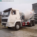 具体的なミキサーのトラック、ミキサーのトラックをロードしているHOWOの自己