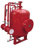 消火活動のための泡のぼうこうタンクか縦タンク