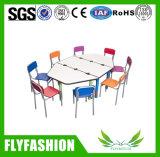 의자 (KF-06A)를 가진 테이블이 다채로운 귀여운 아이들 가구에 의하여 농담을 한다