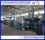 Collegare della macchina dell'espulsione isolato fodero di plastica del PVC che fa macchina