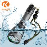 800 Lumens Underwater puissante lampe torche lampe torche rechargeable Lampe de poche étanche