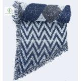 Шаль 2017 отдыха шарфа женщин способа зимы Европ напечатанная геометрией