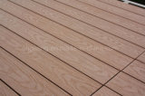 Revestimento de madeira do PE prova impermeável do Mildew do Decking de WPC da anti