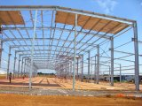 Grand longue étendue de l'Acier Préfabriqués Structure du toit de la construction de l'entrepôt