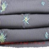 Il cotone del poliestere ricama il tessuto tinto filato per la camicia del pannello esterno del vestito
