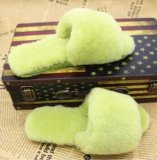 Moda Lady Open Toe Fur Slipper em Candy Color