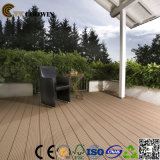 Tipo de madeira do revestimento e Decking exterior do uso ao ar livre WPC