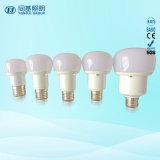 Prix bon marché 15W de lumière LED torche en aluminium recouvert de plastique lampe compacte
