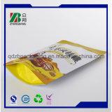 Levantarse los bolsos plásticos del acondicionamiento de los alimentos de la bolsa con la cremallera