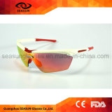 Подгонянные оптовой продажей солнечные очки спорта тавра UV для напольный задействуя управлять