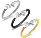 ヒップホップの握りこぶしの魅力のリスト・ストラップのブレスレットの人の宝石類のステンレス鋼3カラーツイスト袖口のブレスレット195mm