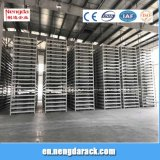 Empilhando o espaço da economia da cremalheira do armazém de armazenamento da cremalheira