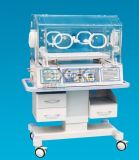 Ospedale ed incubatrice infantile del bambino di emergenza medica con l'alta qualità