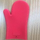 Кухня пищевых сортов Используйте жаропрочные перчатки силиконовый барбекю перчатки