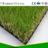 Erba esterna artificiale del banco di colore verde