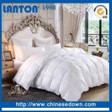 Het witte Gewatteerde Dekbed van het Beddegoed van de Polyester van de Kleur Reeks