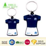 新しいデザインカスタム柔らかいPVCゴム製フットボール・チームクラブブランドのロゴのジャージーのTシャツ整形Keychain
