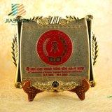 Piatto del ricordo del metallo inciso commercio all'ingrosso con la base di legno