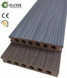 Decking composto plástico de madeira tampado polímero da co-extrusão da geração nova