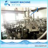 Soude automatique de l'eau de boisson gazeuse Machine de remplissage