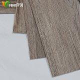 Étage en bois de vinyle de qualité de configuration