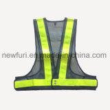 De Supervisor van de Verkeersveiligheid kleedt Weerspiegelend Vest