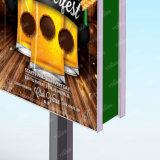 옥외 태양 강화한 도로 시설물 강철 구조물 두 배는 편들어 램프 포스트 가벼운 상자를 광고한