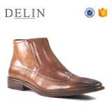 Les hommes de couleur marron occasionnel des bottes en cuir des chaussures de Nice