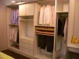 Heißer Verkauf kundenspezifischer hölzerner Weg in der Garderobe