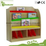 Jogo colorido da mobília de escola do miúdo do jardim de infância