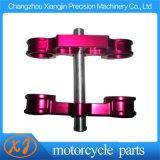 CNC die Drievoudige Klemmen van de Motorfiets van de Legering van het Aluminium de Geanodiseerde machinaal bewerken