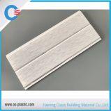 panneau de PVC de cannelure de 200*8mm avec la ligne argentée plafond de PVC imperméable à l'eau