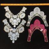 Katoenen van de Kraag van het Huwelijk van het borduurwerk het BloemenKant Gekleurde Kant van de Halslijn voor de Toebehoren van Kleren