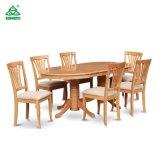 La Tabella pranzante di legno della mobilia moderna del ristorante ha impostato con le presidenze