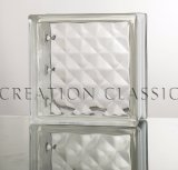 Radura/parete colorata del blocco di vetro in stanza da bagno