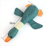 Alimentación de animales de compañía, tres colores en forma de juguete suena Wild Goose