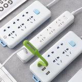13un protector contra sobretensiones de energía eléctrica con temporizador y carga USB